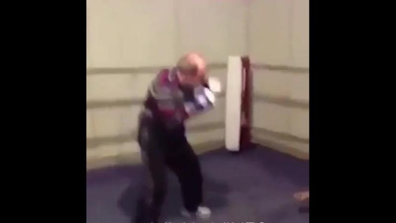 Старая школа бокса / Дед наказал