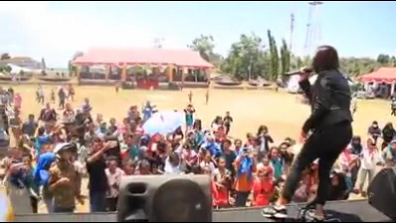 MItha Talahatu - Jujur (Live at Namlea)