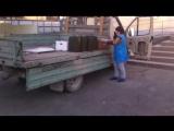 Вот так детям в начальную школу( ст. Раевская Новороссийск) привозят еду!!!!