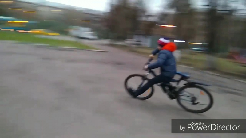 Дрифтуем на велосипеде-Driving on a bicycle