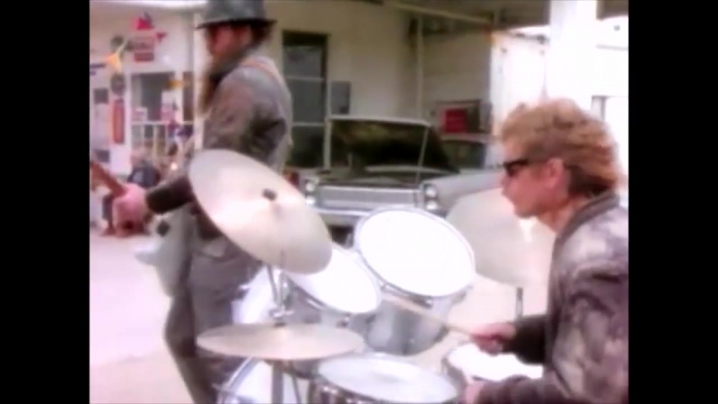 ZZ Top - Gimme All Your Lovin' (OFFICIAL MUSIC VIDEO).mp4