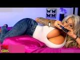 Секс по телефону с пышногрудой блондинкой