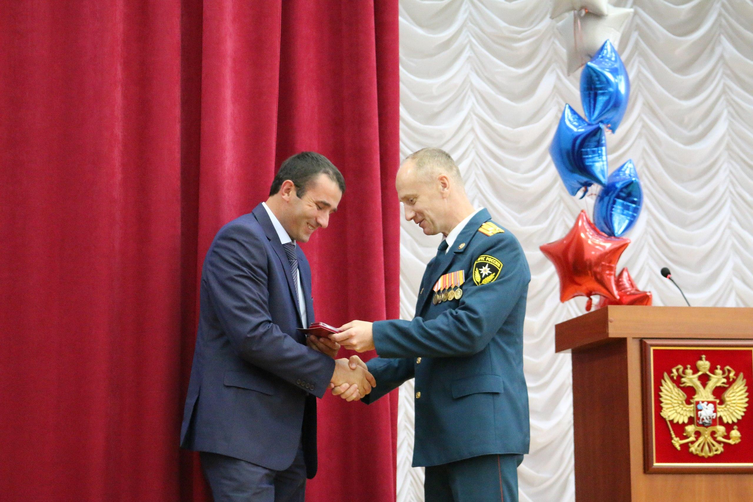 Жители Зеленчукского района получили медали и грамоты Гражданской обороны России