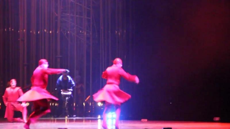 Грузинский танец На шоу Varekai знаменитого Cirque du Soleil казань Varekai kazan