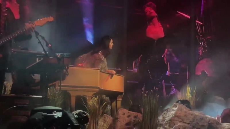 Lana Del Rey – White Mustang (Live @ «LA To The Moon Tour»: «Mandalay Bay Events Center»)