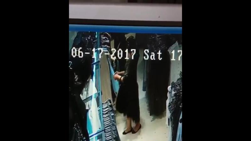 В Махачкале воровка вытащила кошелёк у женщины из сумки