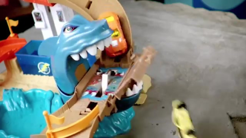 HOT wheels Игровой набор Атака Акулы