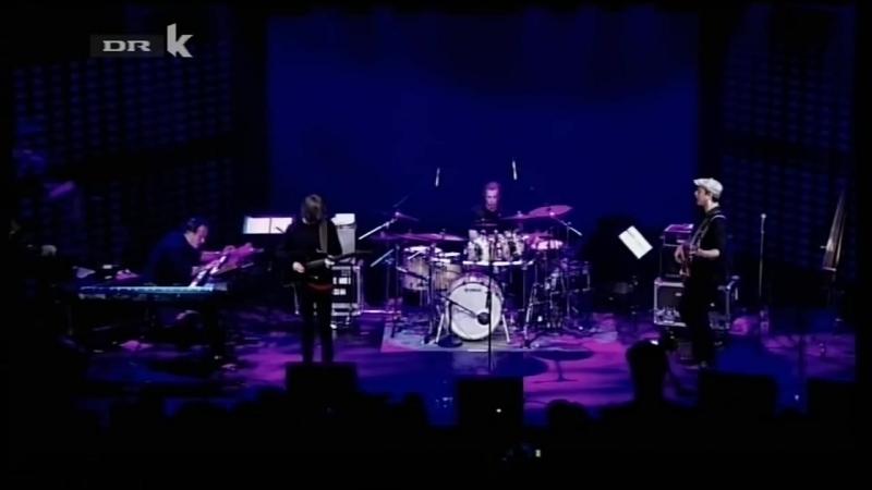 Chris Minh Doky Band Break Song
