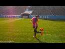 Крутейшая Инди Кови выполняет невероятные трюки с мячом