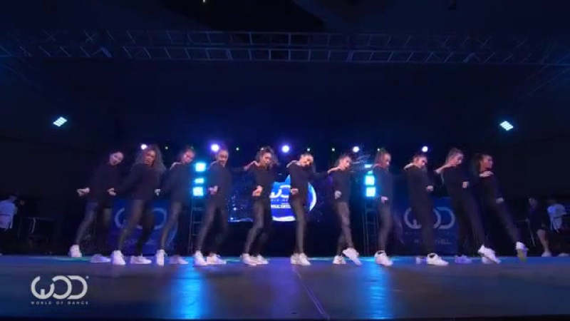 Royal Family _ FRONTROW _ World of Dance Los Angeles 2015 _ WODLA15 (online-video-cutter.com) (1)