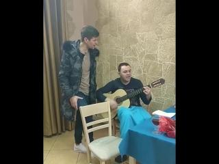 Дмитренко и Гобозов красиво поют...