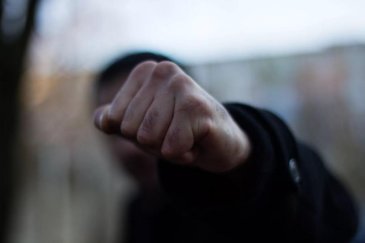 В Волжске молодой мужчина убил своего товарища одним ударом.