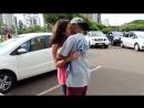 COMO BEIJAR GAROTAS DESCONHECIDAS USANDO UM CADERNO KISSING GIRLS