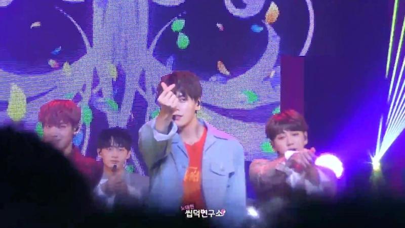 15.02.18 [VALENTINE LIVE] JBJ - 꽃이야 (My Flower)