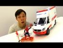 Видео машинки АВАРИЯ в Мастерской Скорая Помощь и ЧеловекПаук спешат на помощь Игры для детей
