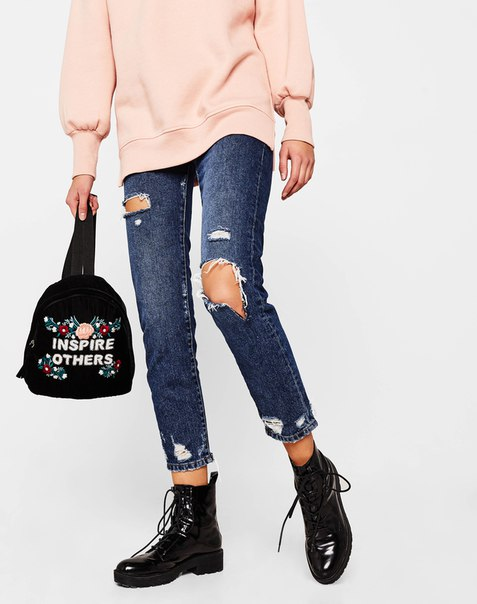 Рюкзак из бархата с вышивкой