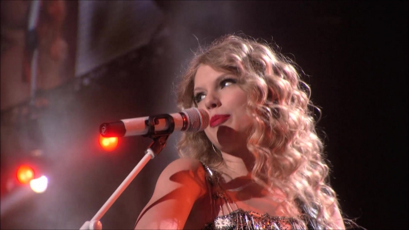 Taylor Swift - Our Song (Live on Fearless Tour 2010)