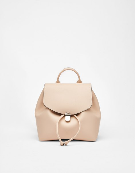 Рюкзак с металлической застежкой