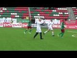 Гоша Куценко подколол футболистов, выйдя с мобильником в благотворительном матче