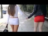 Горячие девушки в мини юбках и на каблуках