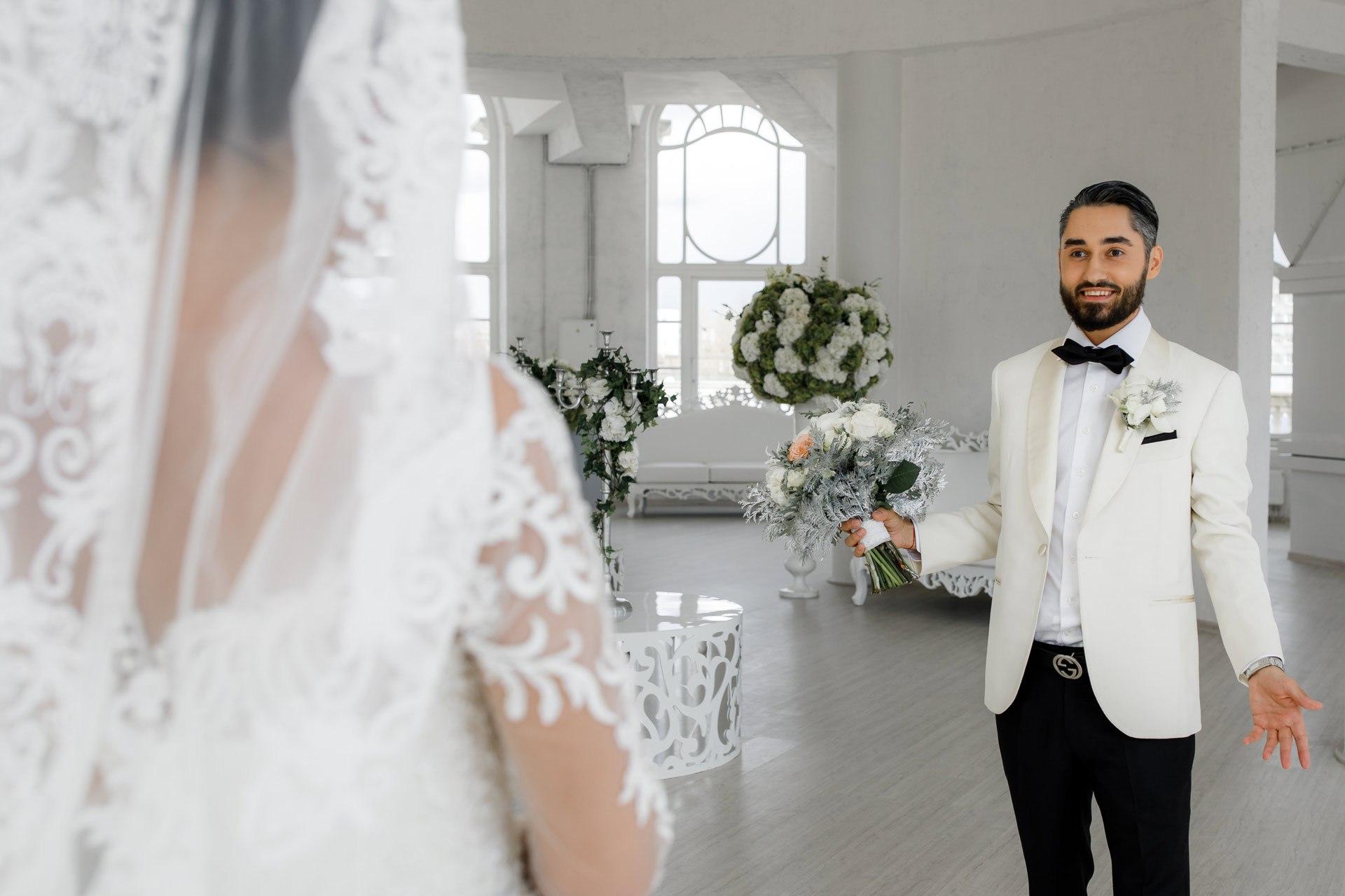 4upQ v1089c - Свадьба Большая или Маленькая?