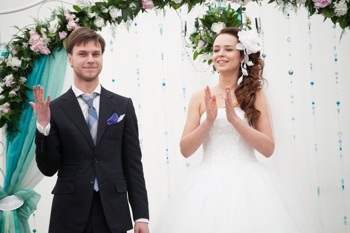 WNTWrPaqYxg - Свадьба Большая или Маленькая?