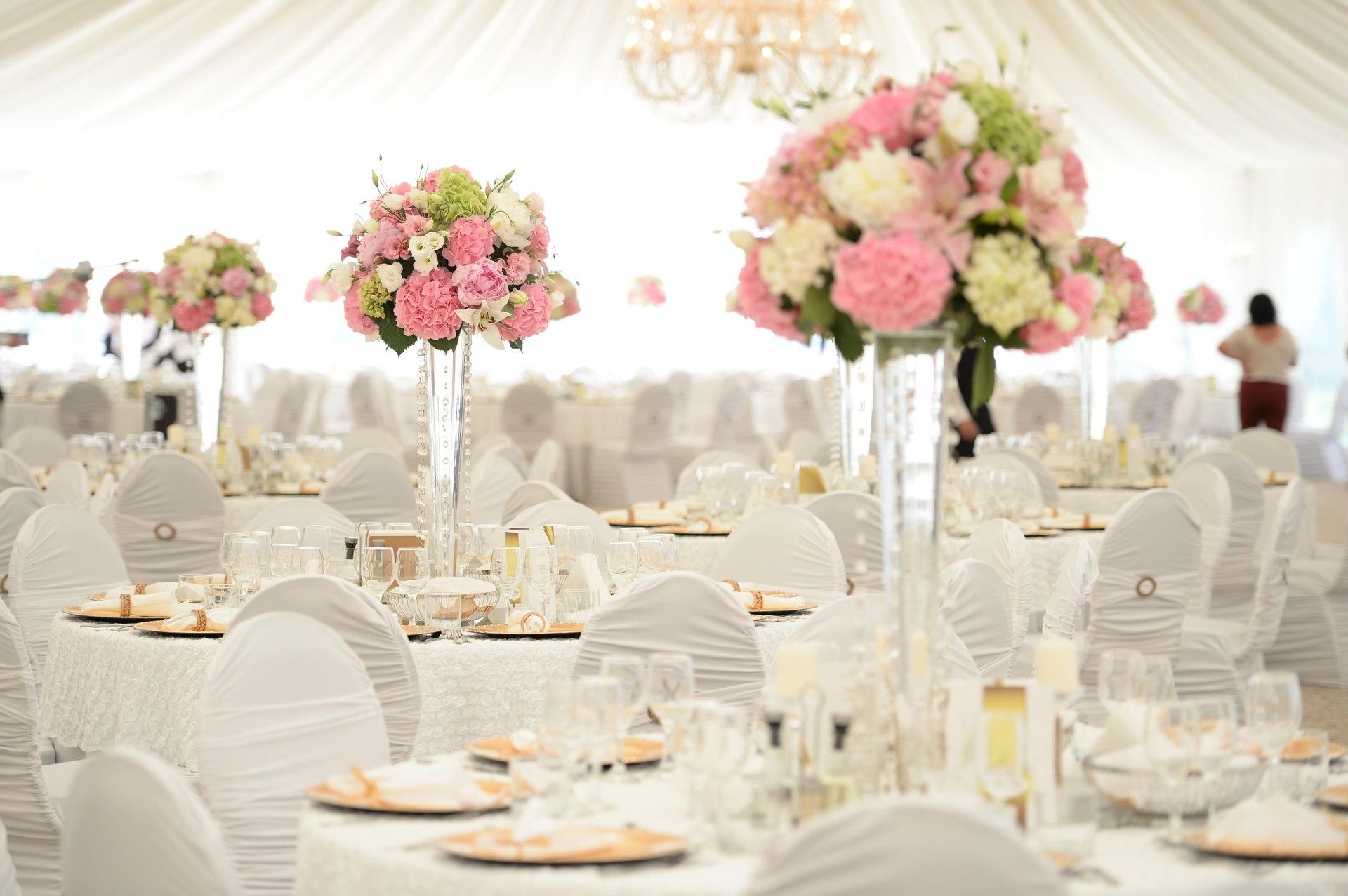 CZ5US95LQLI - Правила декорирования столов на свадьбе
