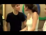 Justin Bieber and Selena Gomez kissing in Indonesia