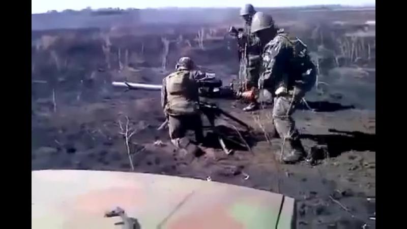 с СПГ 9 подбили хохляцкую САУ
