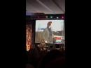 DCCon 2017 Дженсен играет на синтезаторе