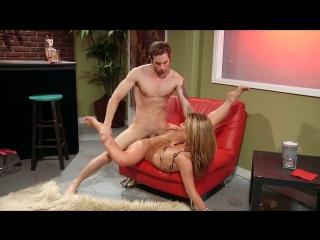 Sheena Shaw. Бармен хорошо трахнул классную соску и кончил ей на задницу. sexy girl cougar pornstar hardcore pussy fuck blowjob