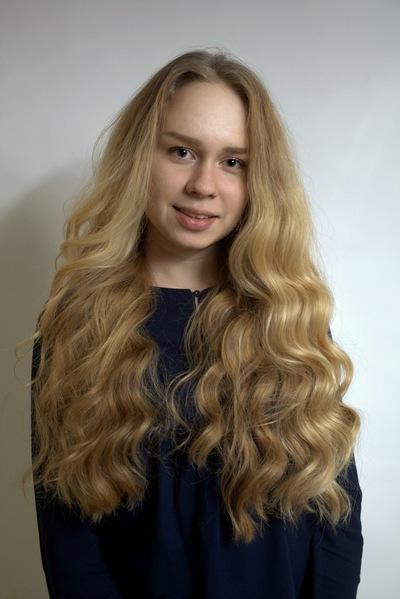 Лиза Горяйнова