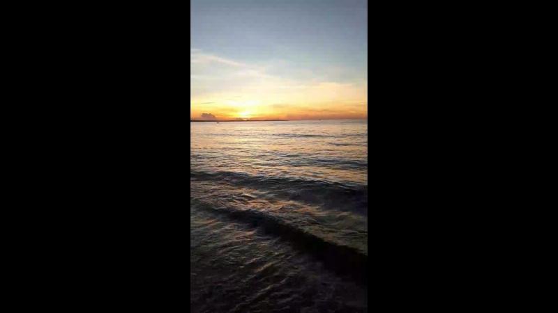 рассвет на океане