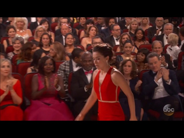 Tatiana Maslany wins Best Actress Emmy Award for Orphan Black 19.09.2016