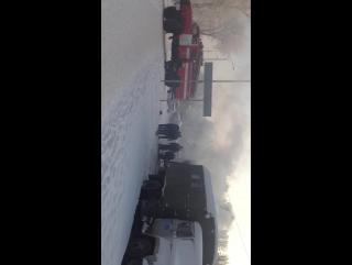 На пересечении 24 Северной и 11 Амурской горит 103 автобус. Омск. 14.12.2017