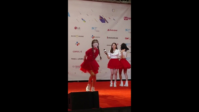 · Fancam · 170820 · OH MY GIRL (Mimi) · KCON 2017 LA Hi-Touch Event ·