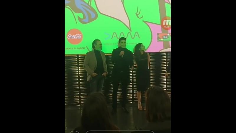 11 декабря - Алекс на предпремьерном показе сериала Vivir Sin Permiso в Мадриде
