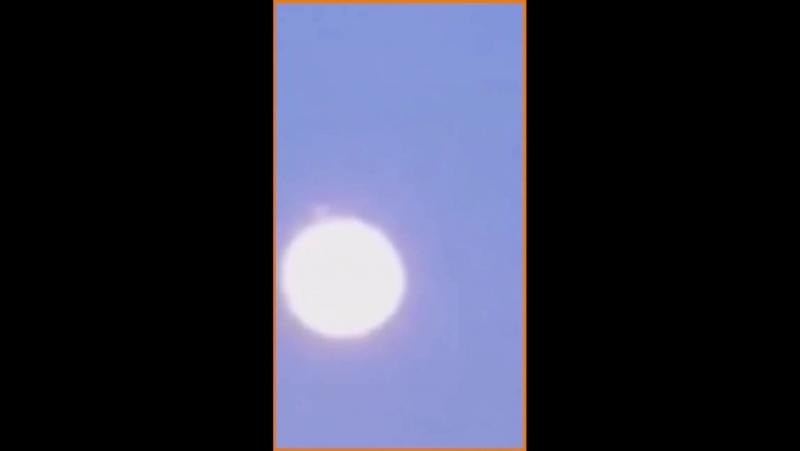 делал несколько фотографий супер Луны Видео снятое Мэттом Вeland 1 января 2018 г в Вустер штат Массачусетс