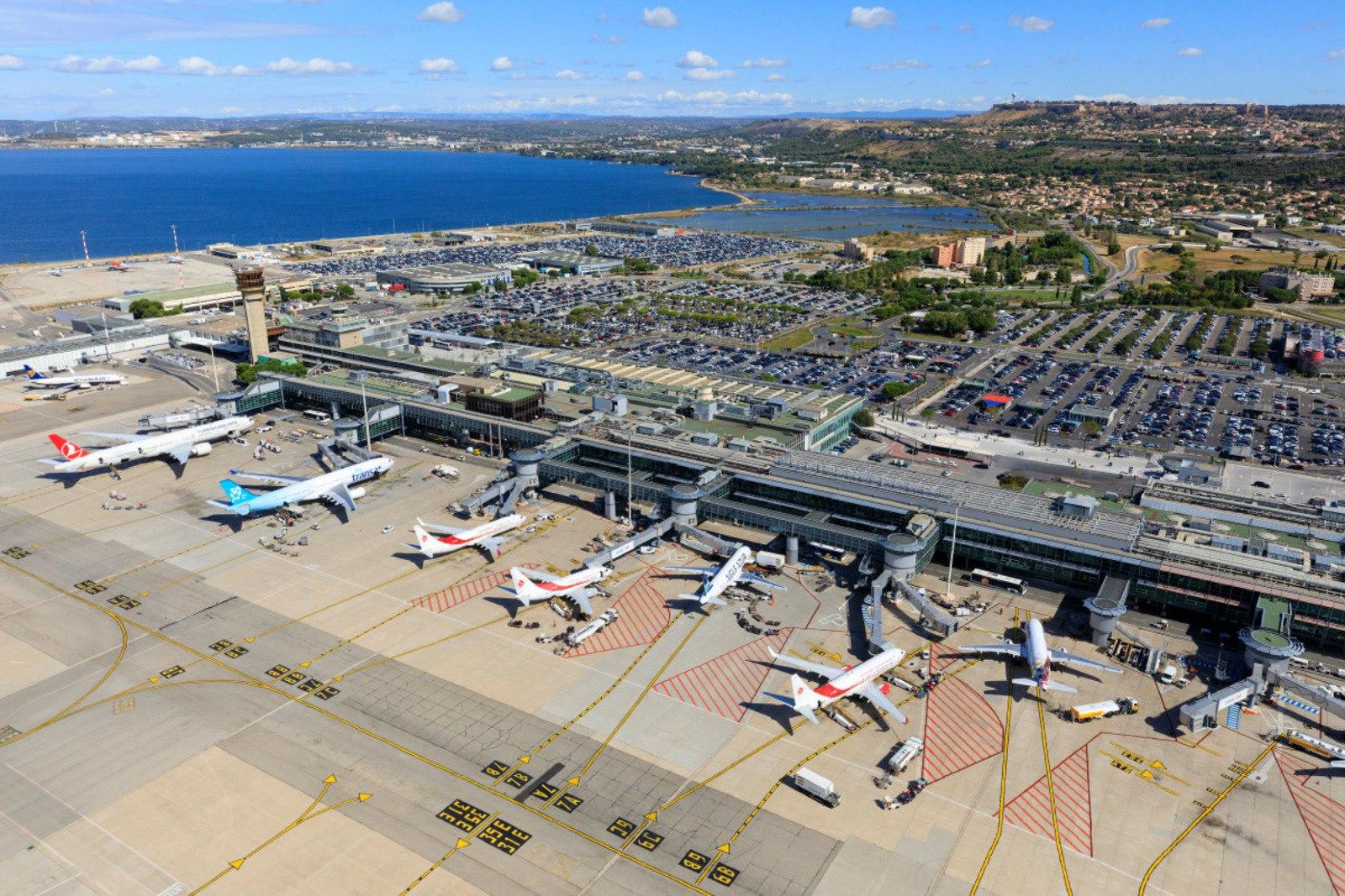 Вид сверху на аэропорт Марселя