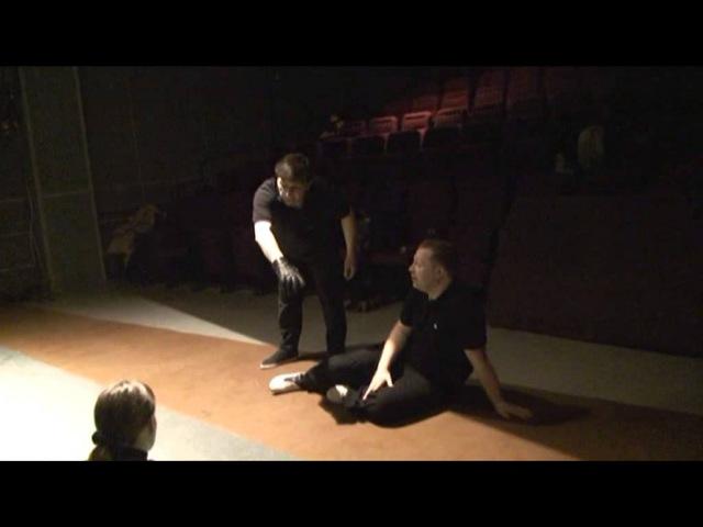 Как правильно падать на сцене. Сценическое движение.