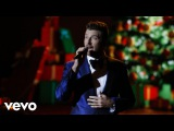 Brett Eldredge - Have Yourself A Merry Little Christmas (Live from CMA Country Christmas)