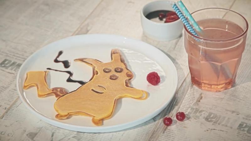 Яркие и веселые блины в виде мультяшного героя - Пикачу на блинной сковороде Tefal!