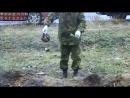 Ополченцы нашли скелеты убитого ребенка и матери- Видео с захоронения