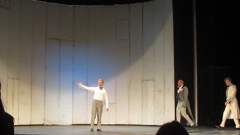 В театре им. В.В.Маяковского, на спектакле