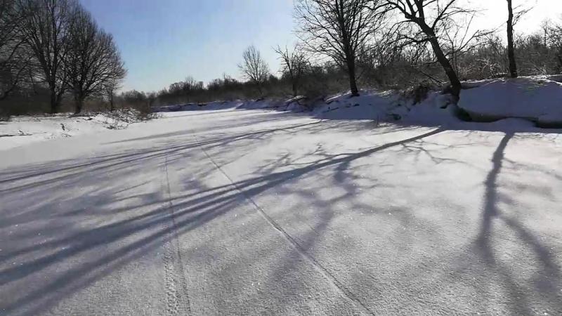 Дорога в болота.Зимняя река.