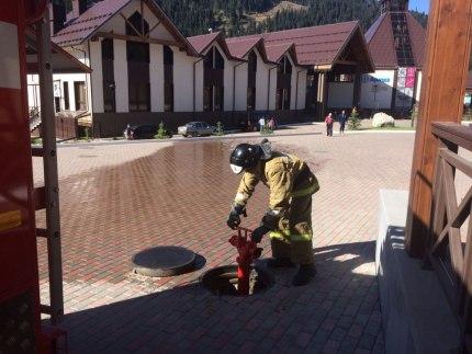Состояние пожарных гидрантов проверили в Зеленчукском районе