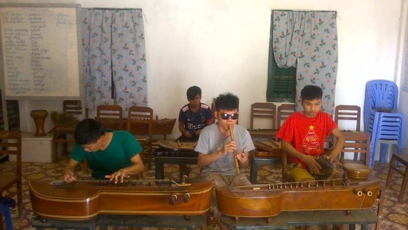 Кхмерская традиционная музыка (репетиция)