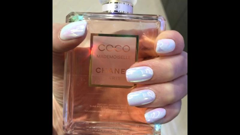 «Духи говорят о женщине больше, чем её почерк.» ©️ Coco Chanel. @chanelofficial. 👸🏼💅🏾🌸💕 Радужная втирка Единорог 🦄🌸🍬💖.
