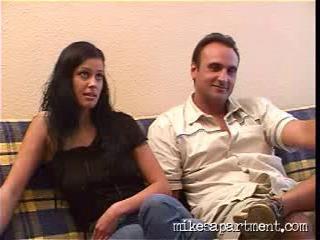 Mikes Apartment молоденькую худенькую девушку модель трахают большим членом в узкую дырку