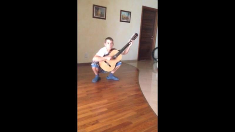Как Вовчик охуенно играл на гитаре.